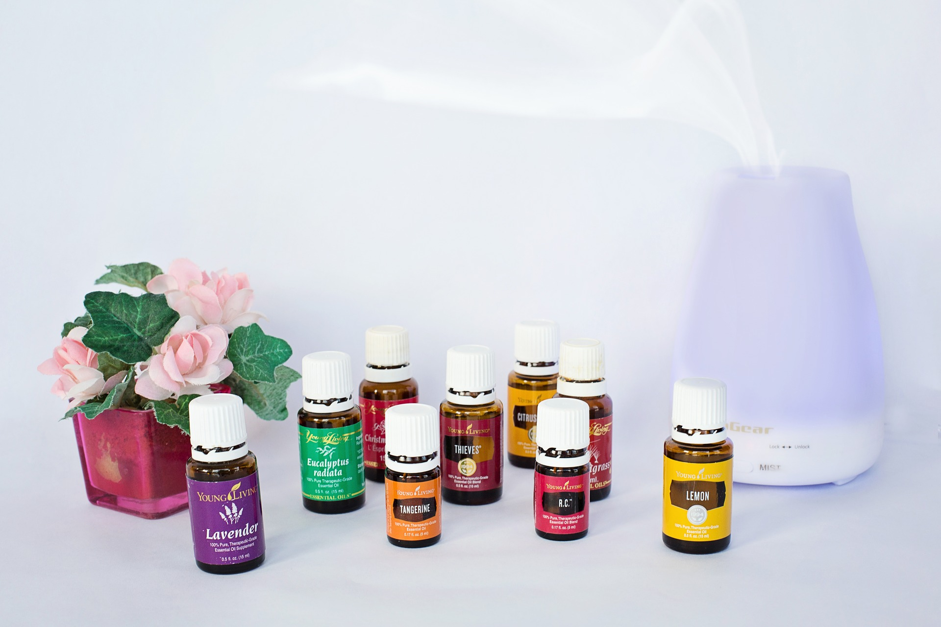 essential-oils-1958549_1920.jpg