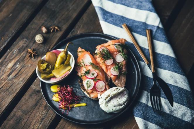 plated-smoked-salmon_925x.jpg