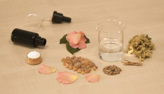 creating-perfume-1539654_1920
