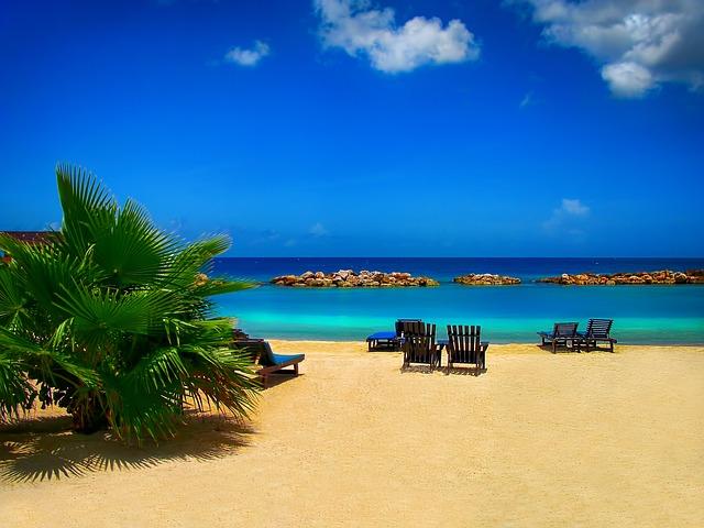 beach-562145_640.jpg