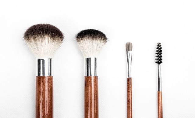 comment nettoyer mes pinceaux à maquillage